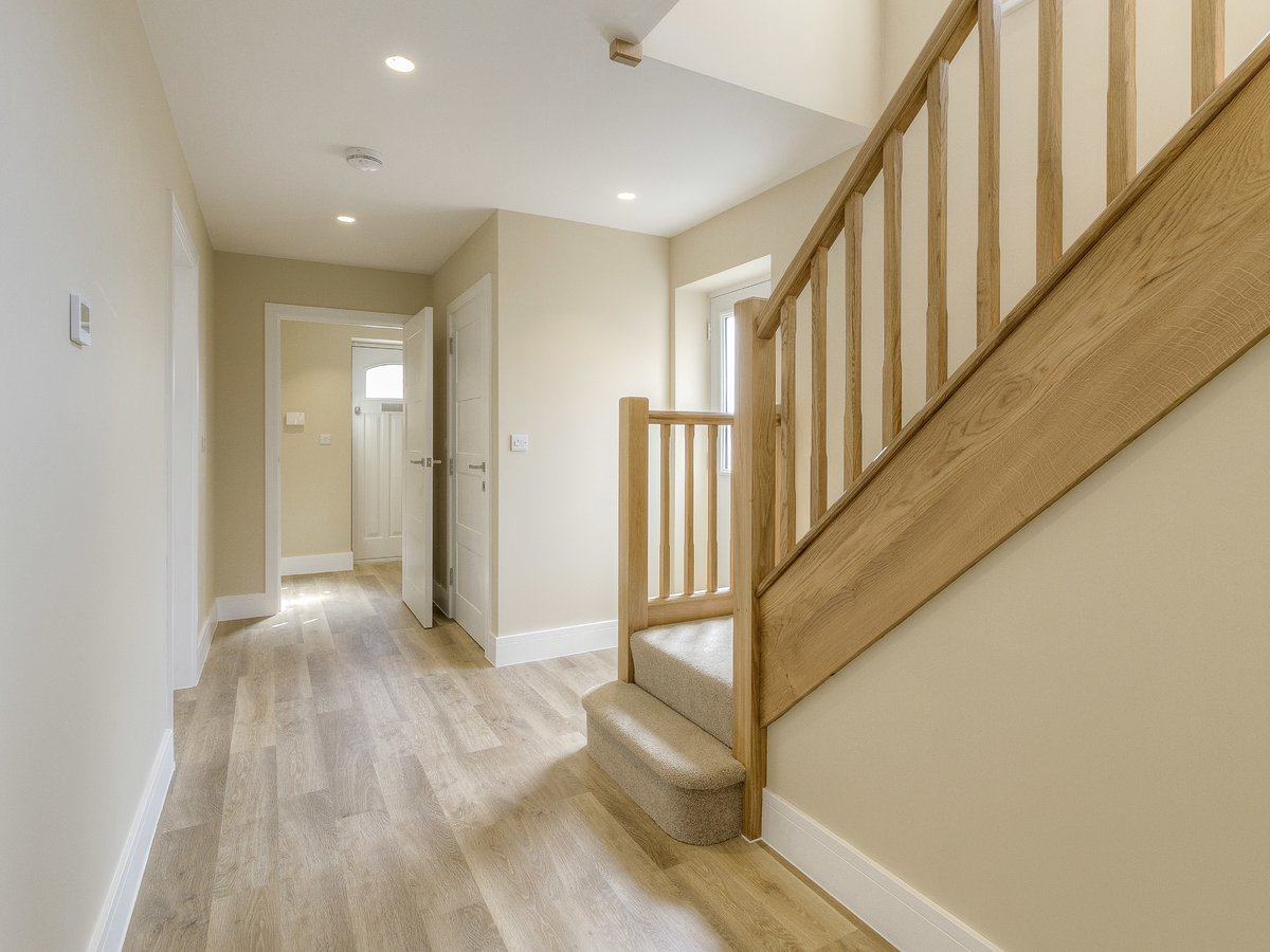 4 bedroom  House for sale in Buckinghamshire - Slide 7