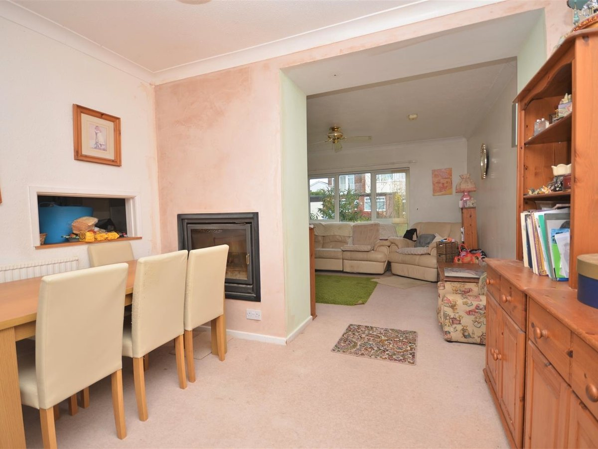 4 bedroom  House - Detached for sale in Quainton - Slide 6