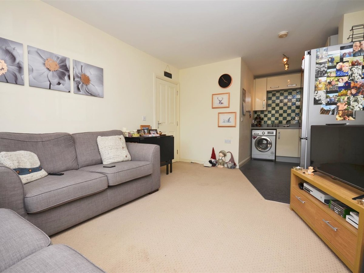 1 bedroom  Apartment for sale in Wendover. Aylesbury - Slide 9