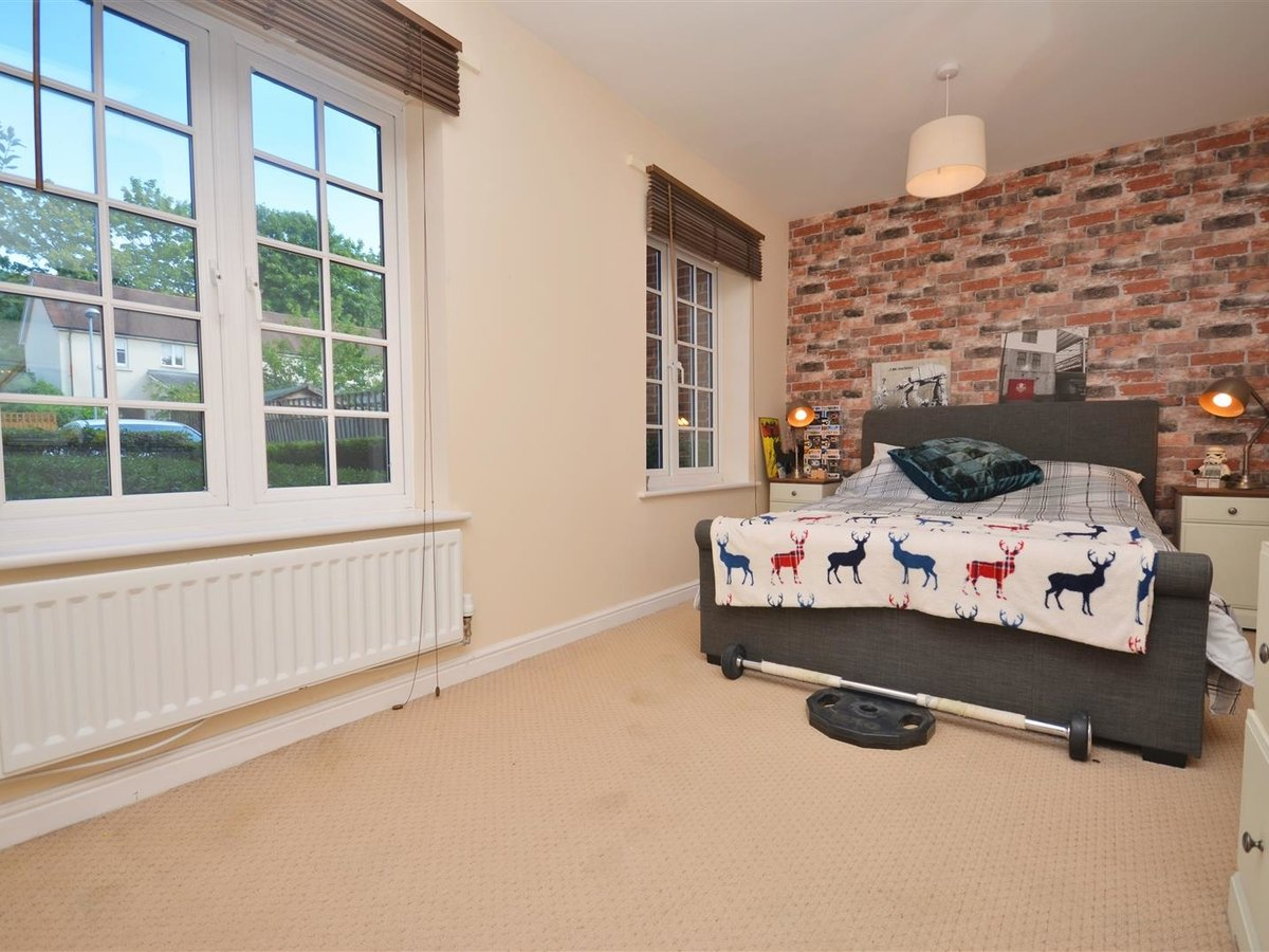 1 bedroom  Apartment for sale in Wendover. Aylesbury - Slide 7
