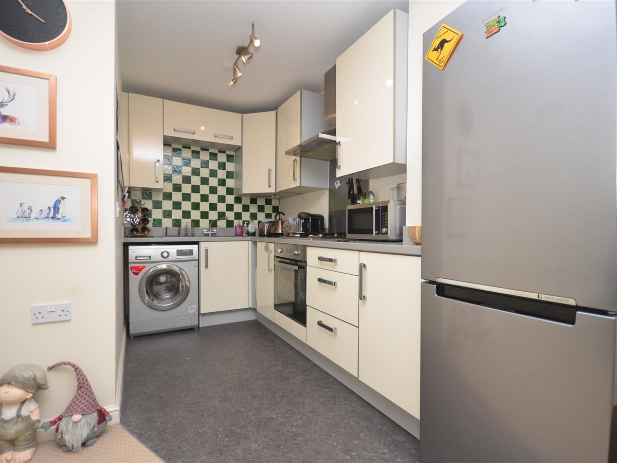 1 bedroom  Apartment for sale in Wendover. Aylesbury - Slide 6