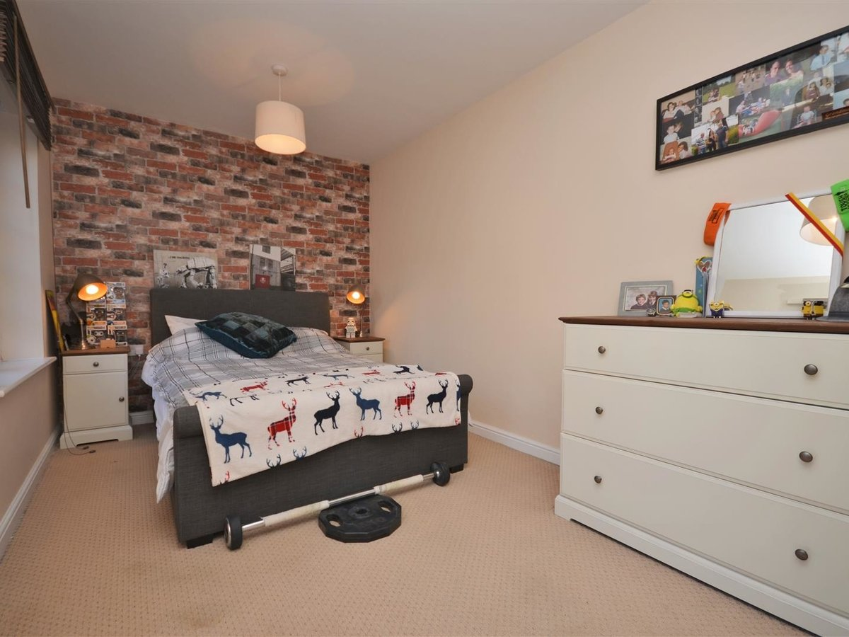 1 bedroom  Apartment for sale in Wendover. Aylesbury - Slide 10