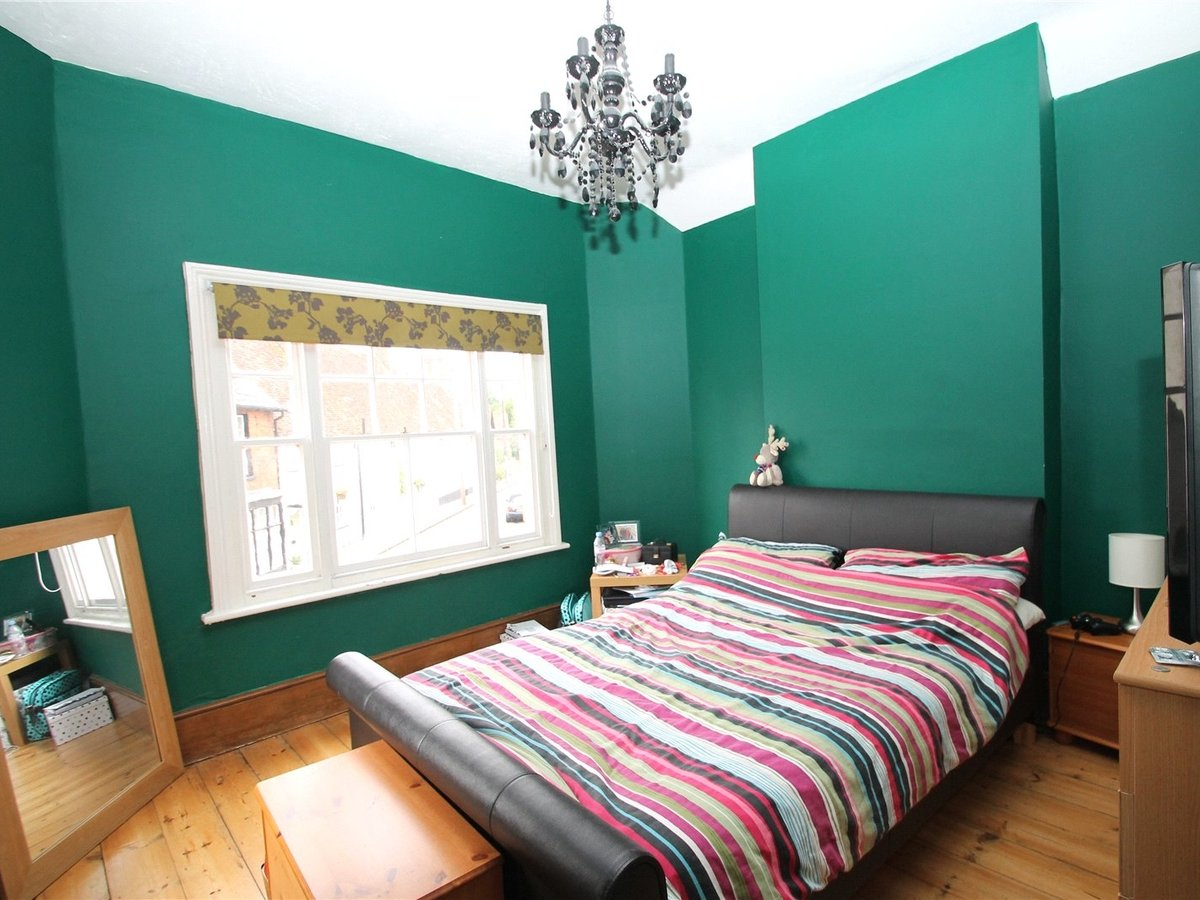 2 bedroom  House to rent in Buckingham - Slide 5