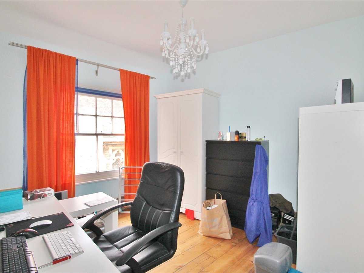 2 bedroom  House to rent in Buckingham - Slide 6