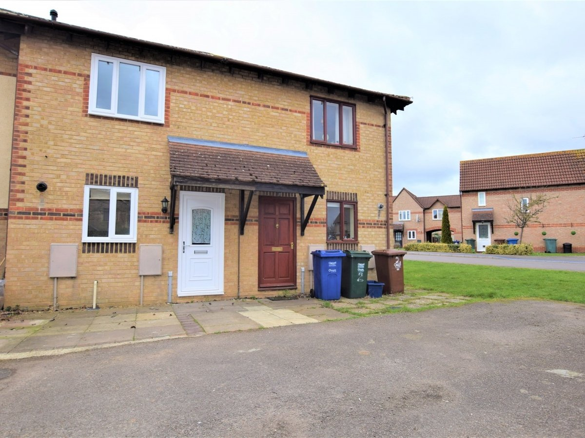 House to rent in Bicester - Slide 1