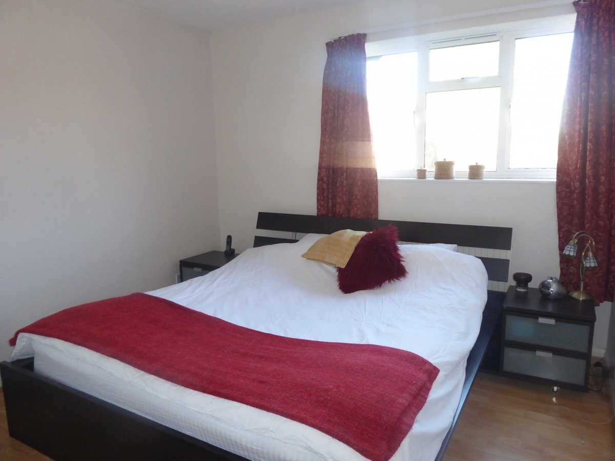 2 bedroom  Property to rent in Bicester - Slide 6