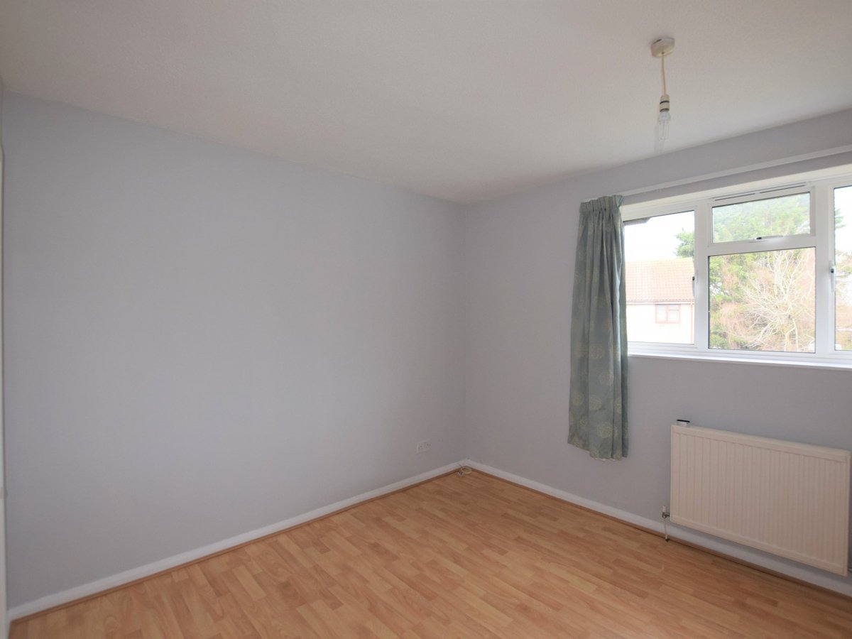 2 bedroom  Property to rent in Bicester - Slide 5