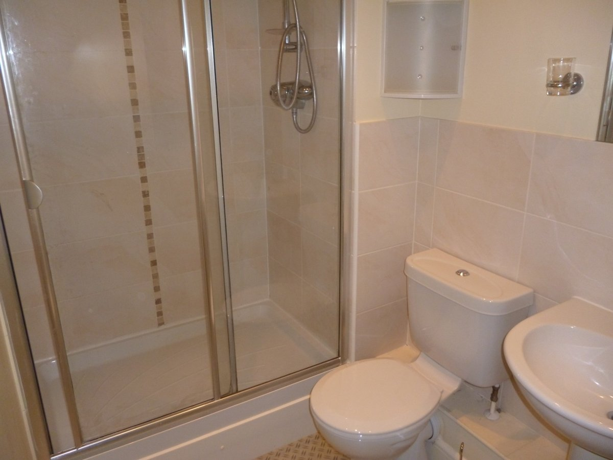 2 bedroom  Apartment to rent in Aylesbury - Slide 3