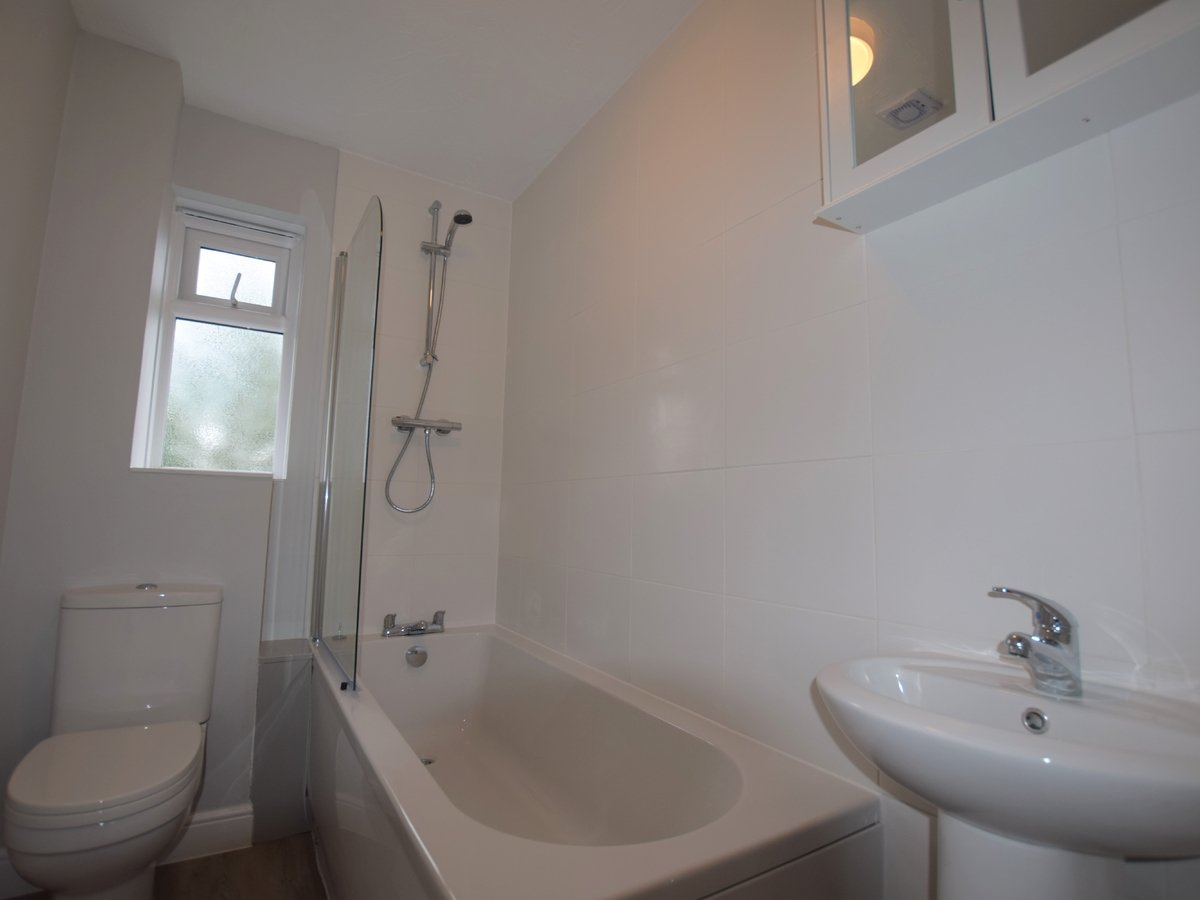 2 bedroom  House to rent in Bicester - Slide 7