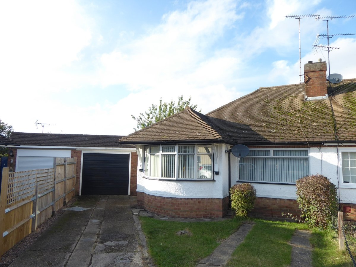 2 bedroom  SemiDetachedBungalow to rent in Dunstable - Slide 10