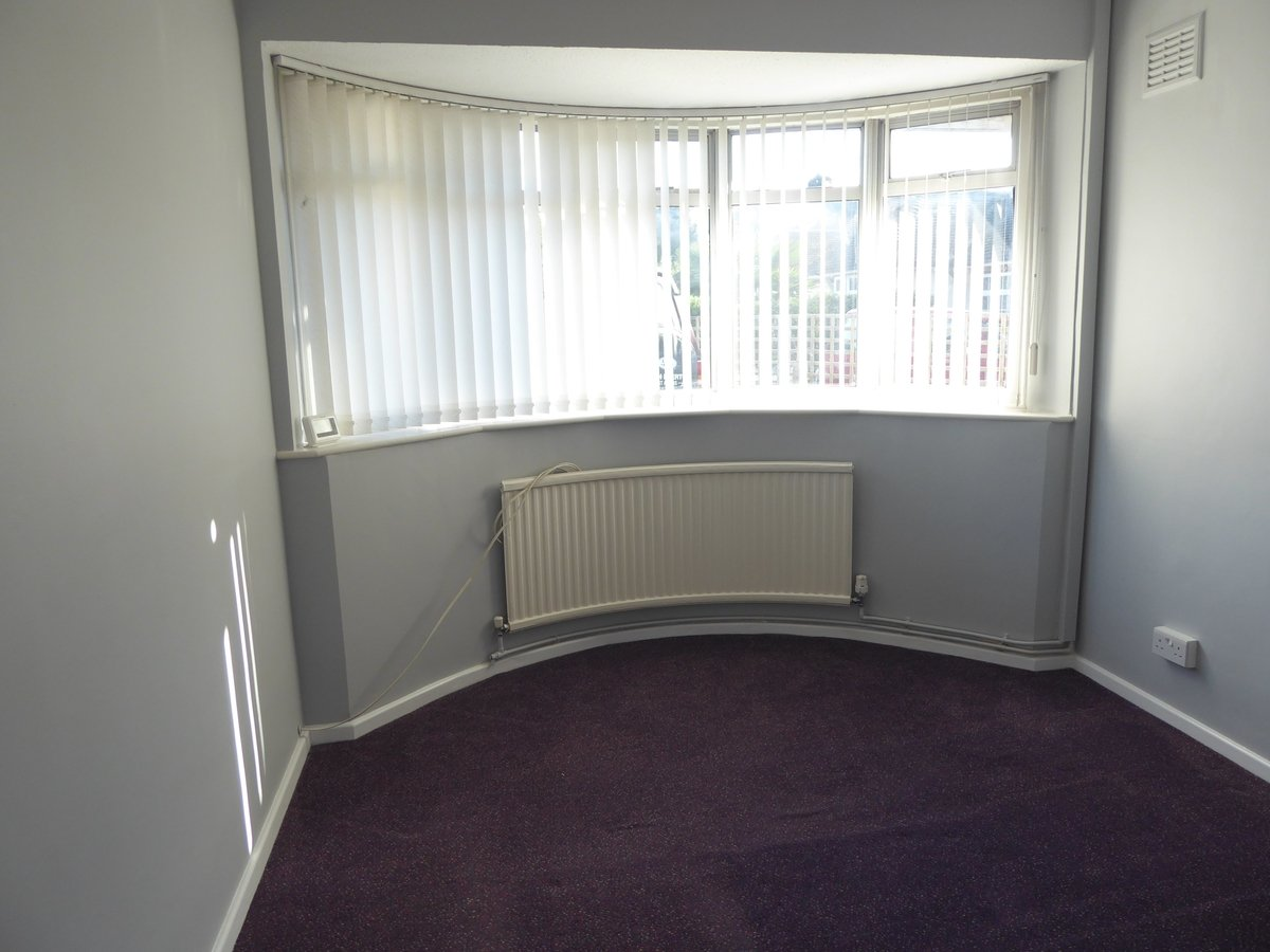 2 bedroom  SemiDetachedBungalow to rent in Dunstable - Slide 6