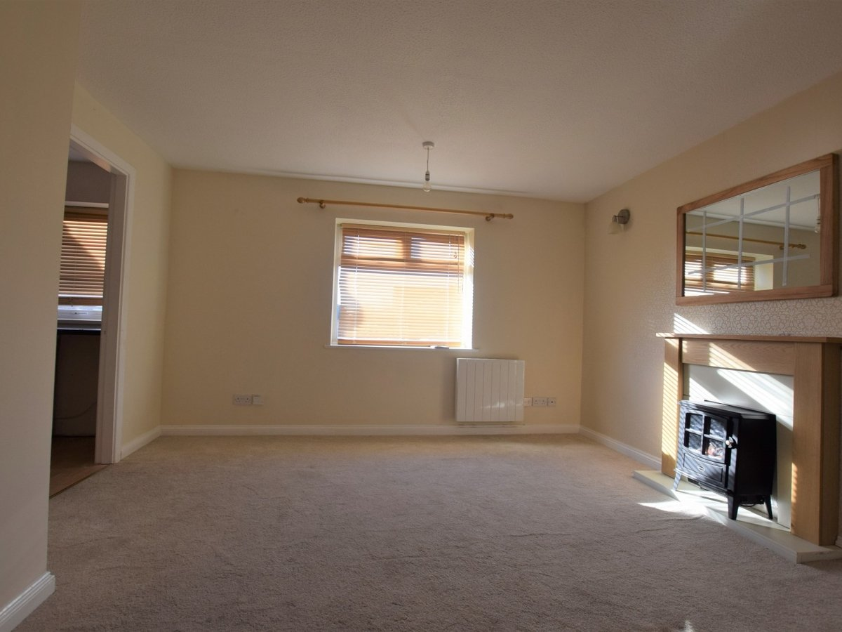 1 bedroom  Apartment to rent in Bicester - Slide 2