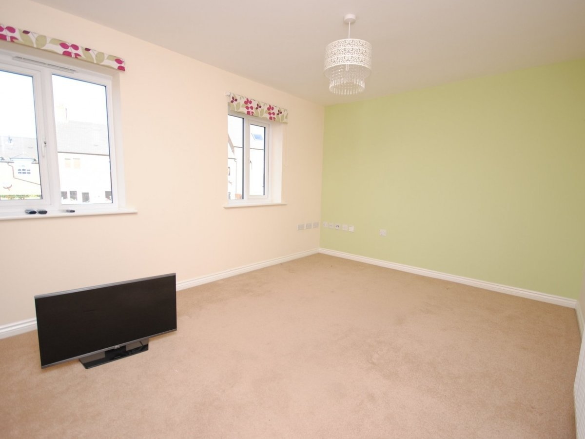 1 bedroom  Apartment to rent in Leighton Buzzard - Slide 2