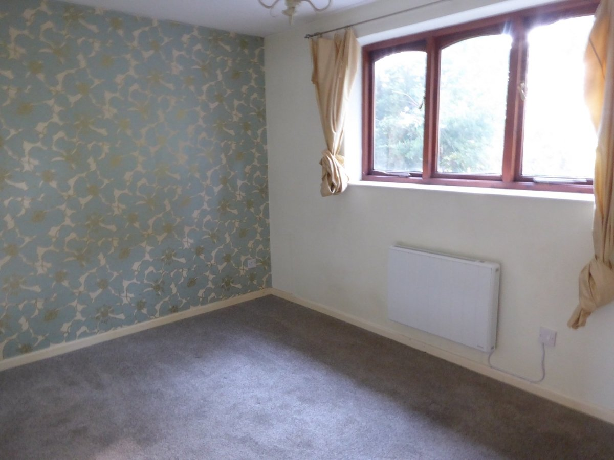 2 bedroom  House to rent in Bedfordshire - Slide 7