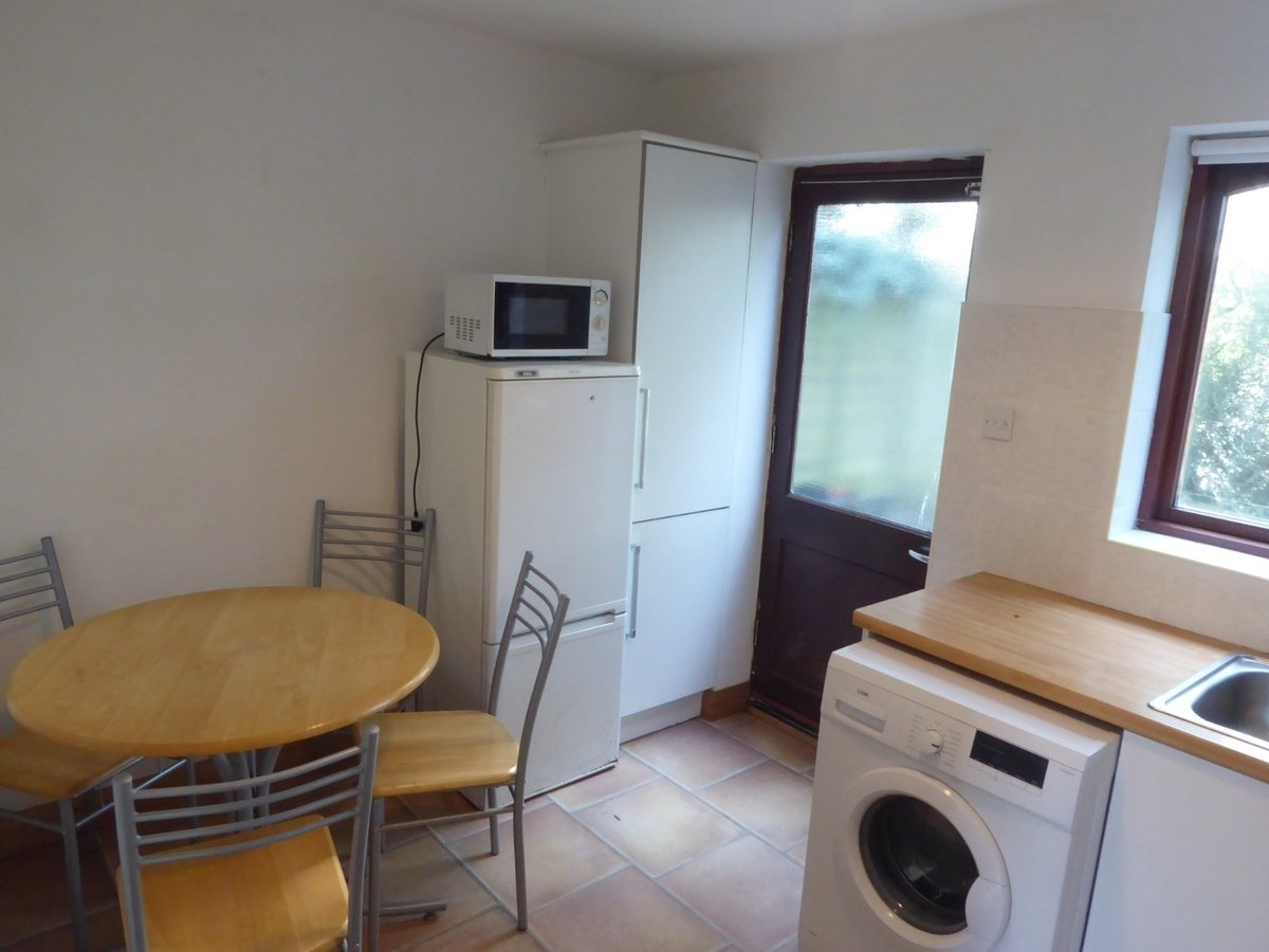 2 bedroom  House to rent in Bedfordshire - Slide 6