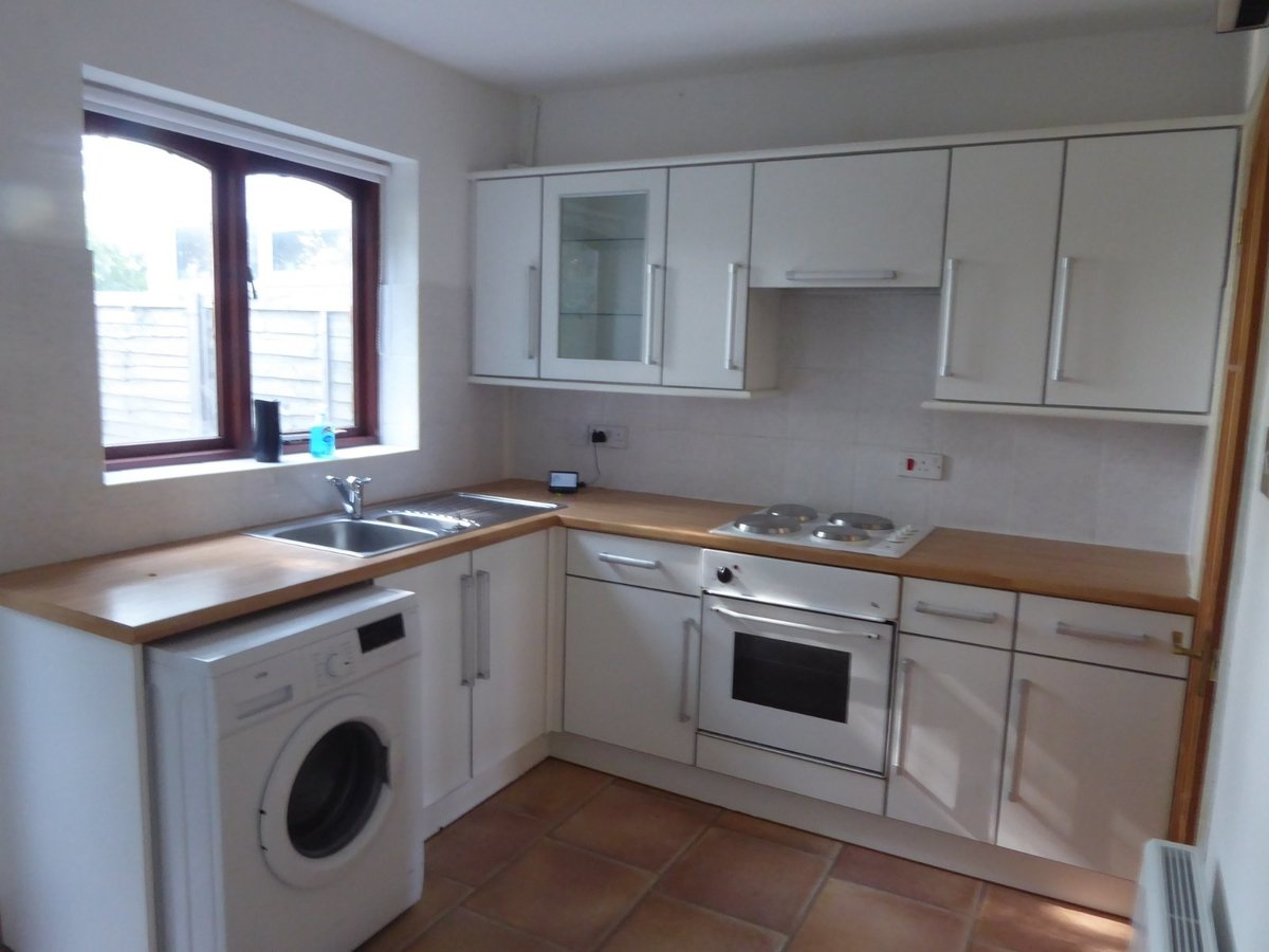 2 bedroom  House to rent in Bedfordshire - Slide 4