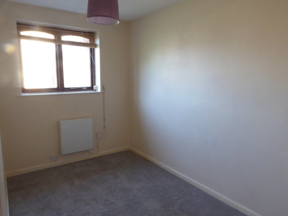 2 bedroom  House to rent in Bedfordshire - Slide 8