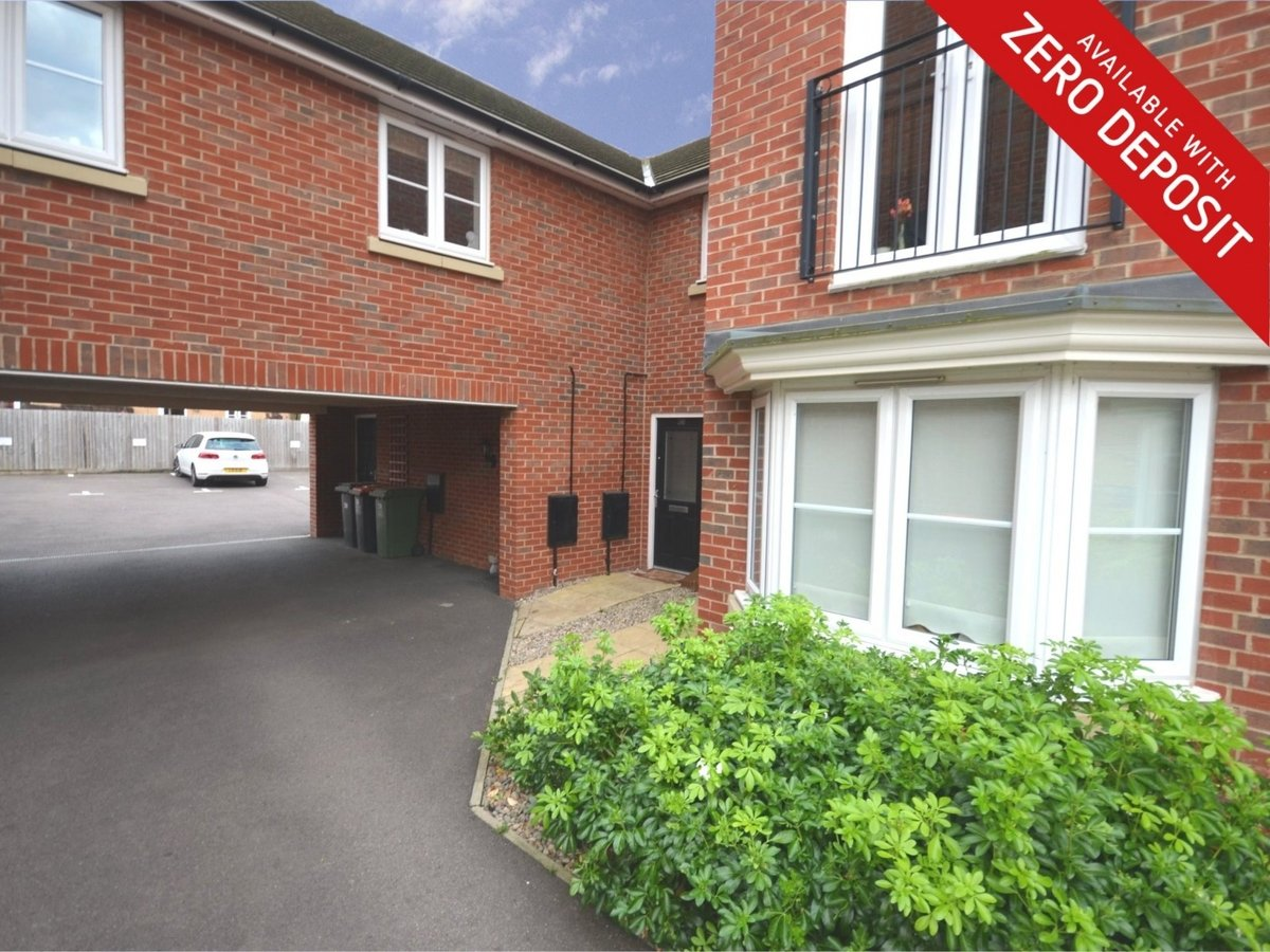 1 bedroom  Maisonette to rent in Leighton Buzzard - Slide 1