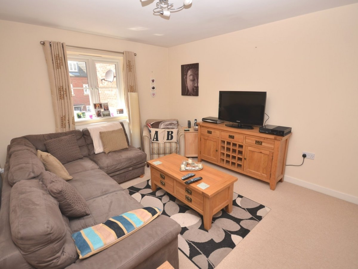 1 bedroom  Maisonette to rent in Leighton Buzzard - Slide 5