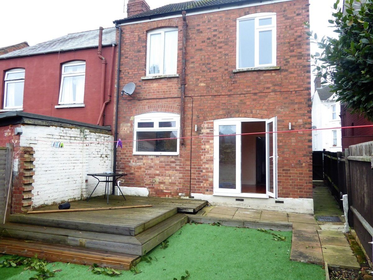 3 Bedroom House To Rent In Luton Alexander Amp Co