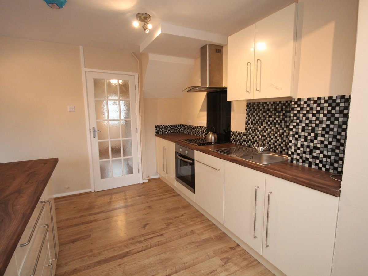 3 bedroom  House to rent in Aylesbury - Slide 4