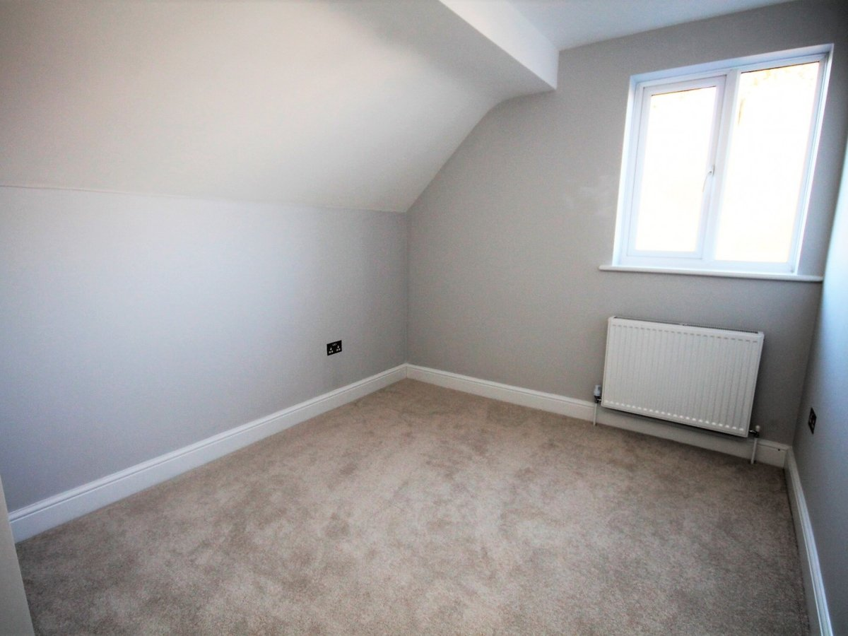 2 bedroom  Apartment to rent in Whitchurch - Slide 6
