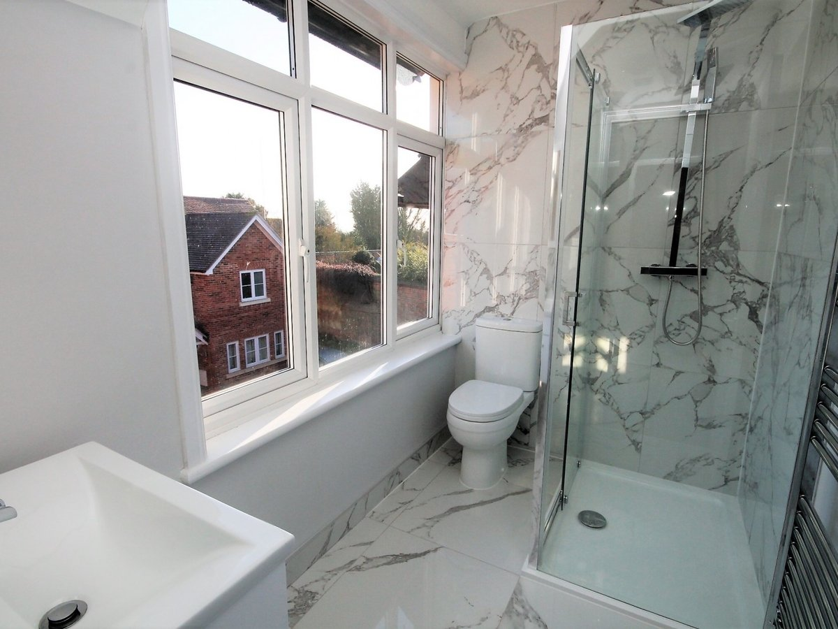 Apartment to rent in Whitchurch - Slide 8