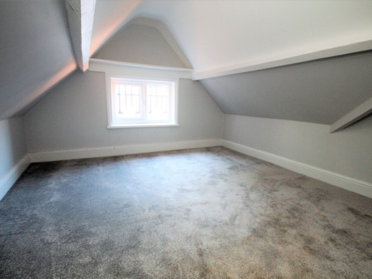 Apartment to rent in Whitchurch - Slide 7