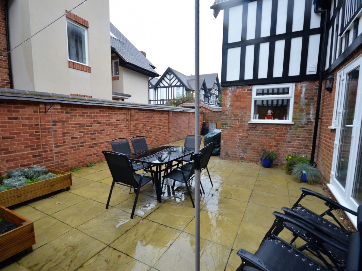 2 bedroom  Flat to rent in Whitchurch - Slide 18