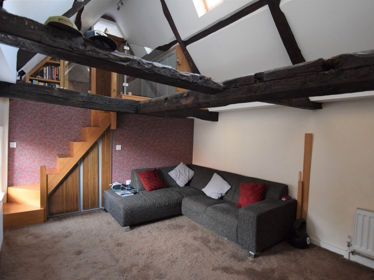1 bedroom  Apartment to rent in Bicester - Slide 3