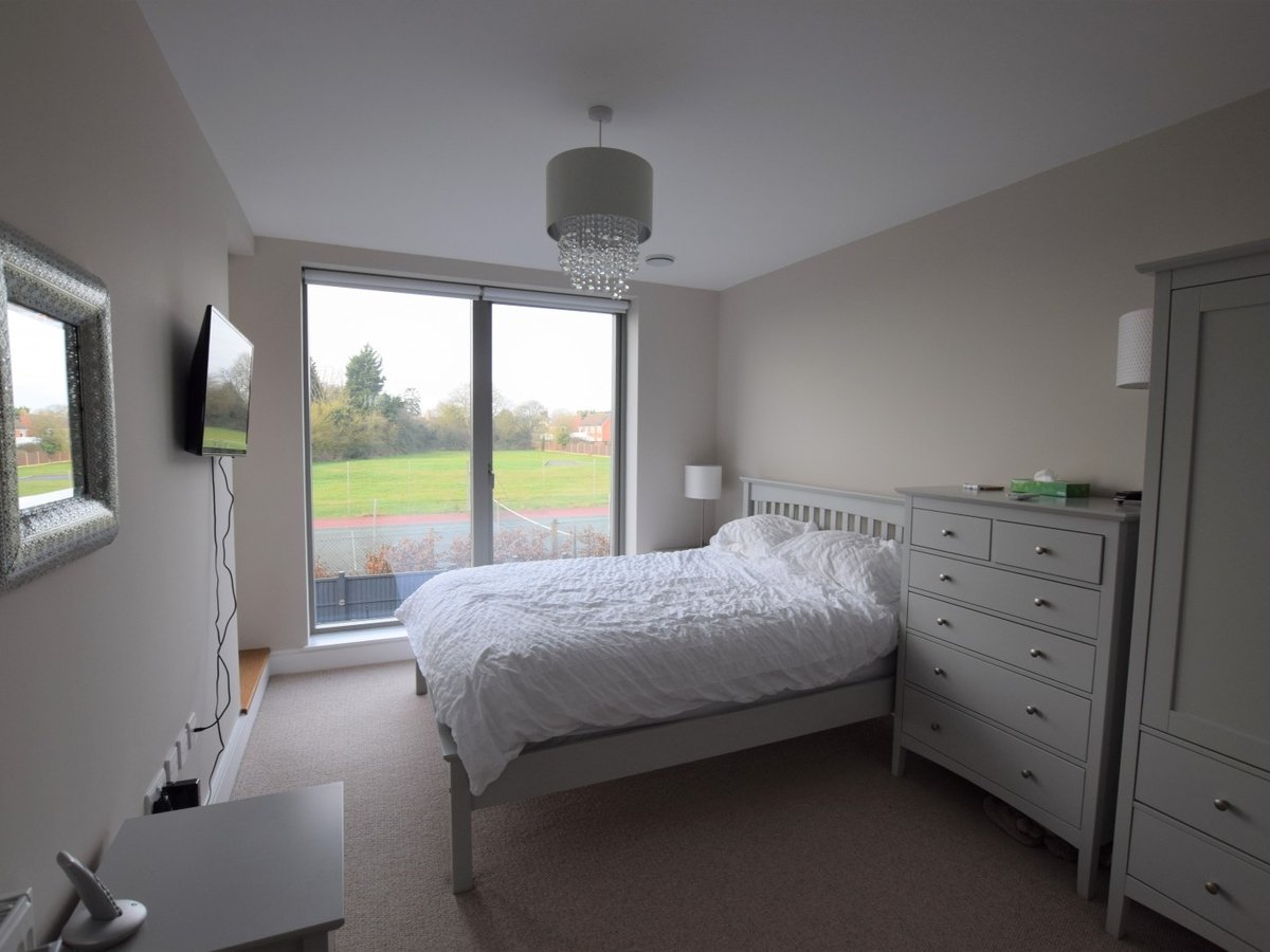 House to rent in Bicester - Slide 9