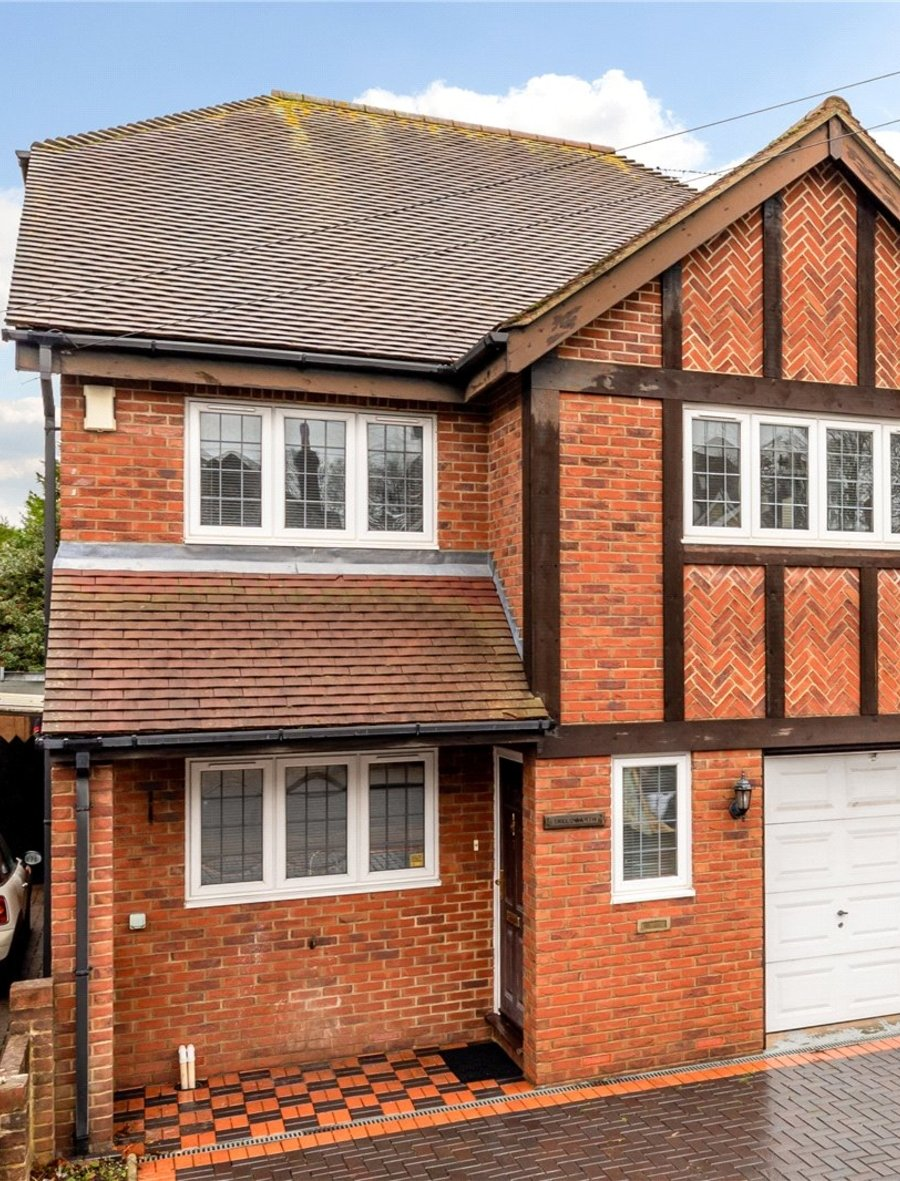 5 bedroom  House for sale in Dunstable