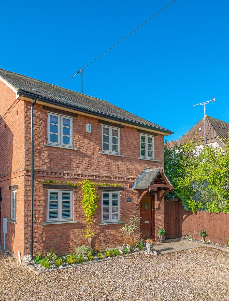 3 bedroom  House for sale in Buckingham