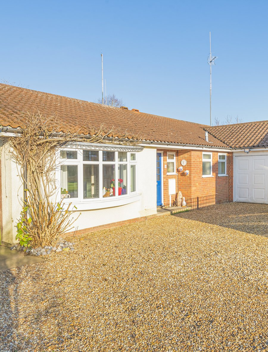 4 bedroom  Bungalow for sale in Buckingham